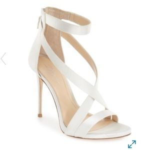 new w/ box Vince Camuto devin high heel sandal